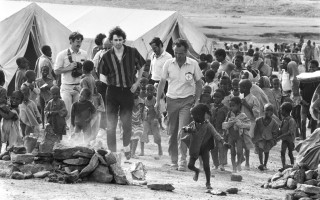 Bob Geldof a punk singer in Ethiopia to see the efects of Famine